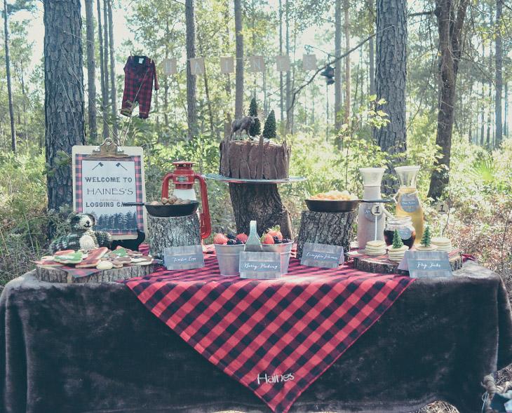 lumberjack-table-decor